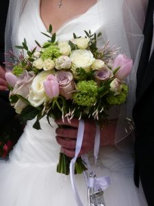 becky-brides-bouquet-close-up