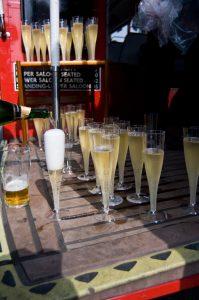 big bus champagne